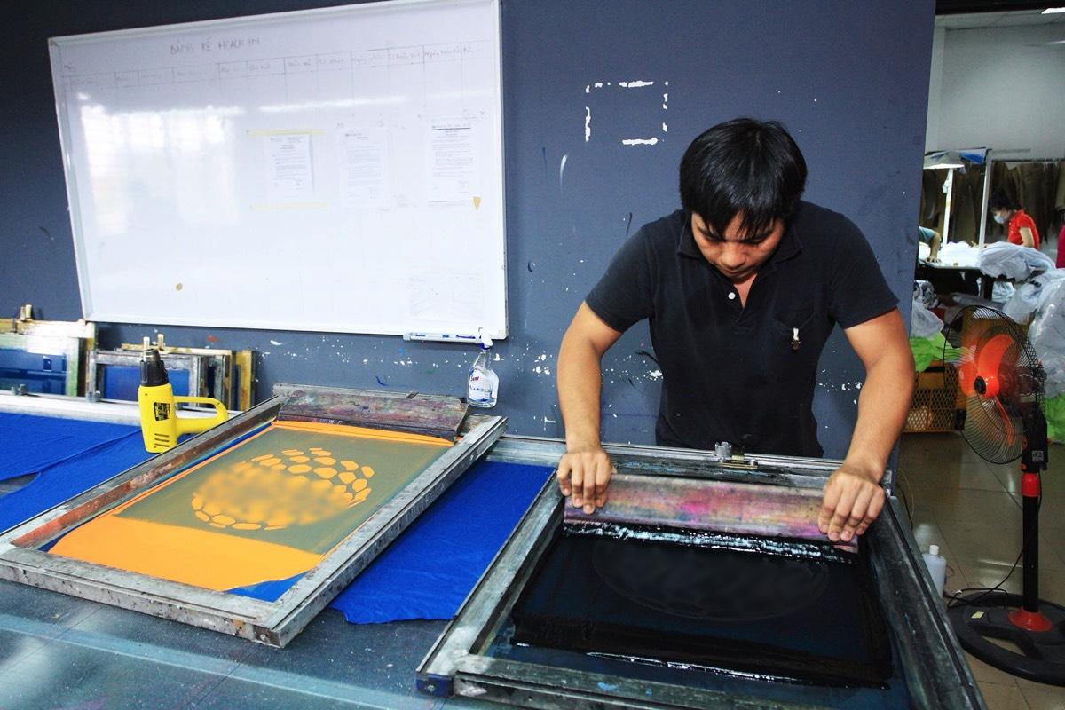 Graphic T Shirt Factory in Vietnam